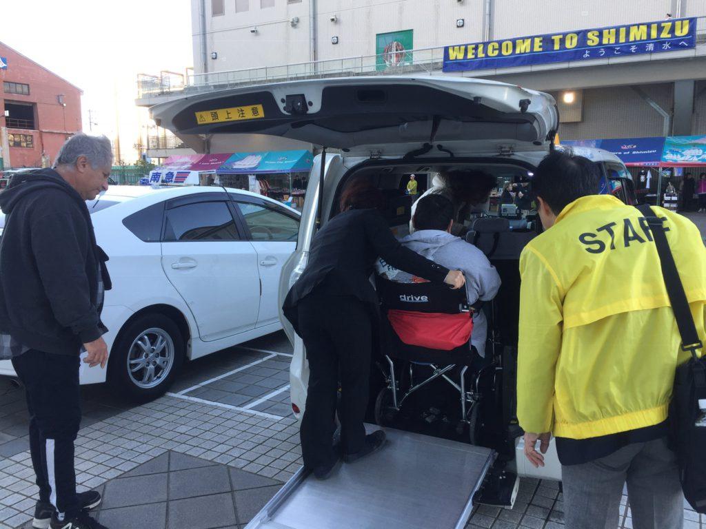 wheelchair equipped car