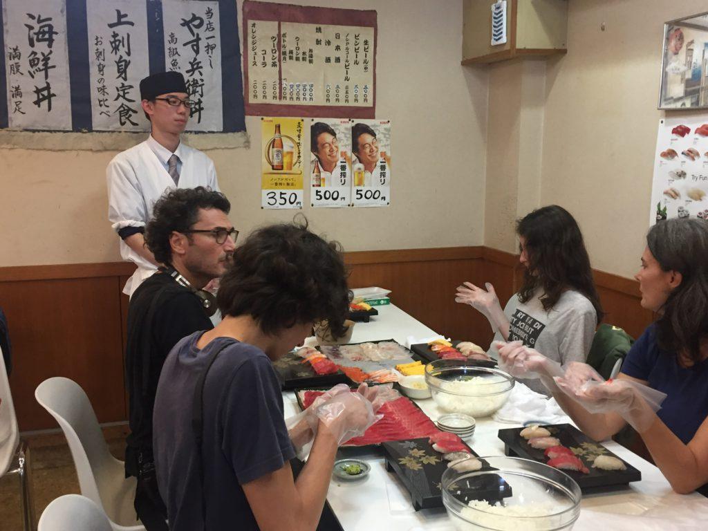 """清水魚市場 河岸の市で寿司握り体験 Shimizu Fish Market """"Kashi-no-ichi"""" Sushi making experience"""